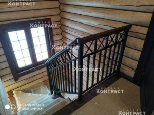 Лестница на металлическом каркасеи ограждения